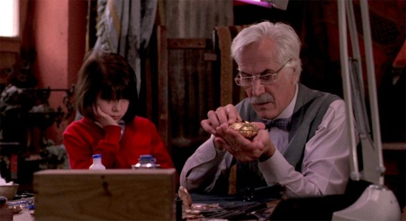 Movie Series: Cronos (Guillermo del Toro)
