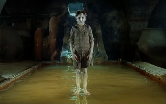 Movie Series: The Devil's Backbone (Guillermo del Toro)