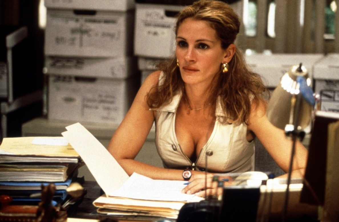 movie review for erin brockovich The pre-credits announcement based on a true story before a film about real-life  triumph over adversity seldom signals the start of  erin brockovich is paced  leisurely, but there's not a wasted moment by the  dvd review.