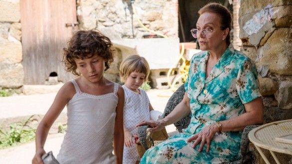 Movie Review: 'Summer 1993' is a deeply personal story of love, loss and familial hardship
