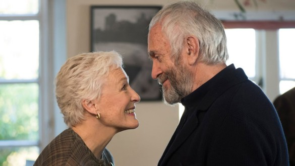 Movie Review: Glenn Close's Radiance Eclipsed in 'The Wife'